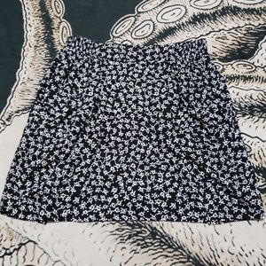 Divided H&M floral pocket mini skirt 12